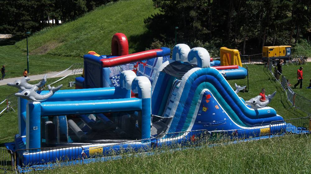 Diverty'Kids, animation et location loisirs combos gonflable toboggan gonflable baby foot gonflable humain